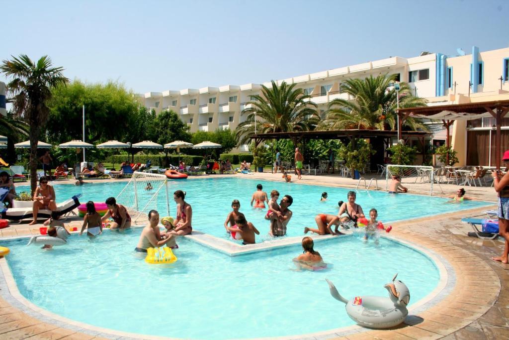 Majoituspaikassa Afandou Beach Resort Hotel tai sen lähellä sijaitseva uima-allas