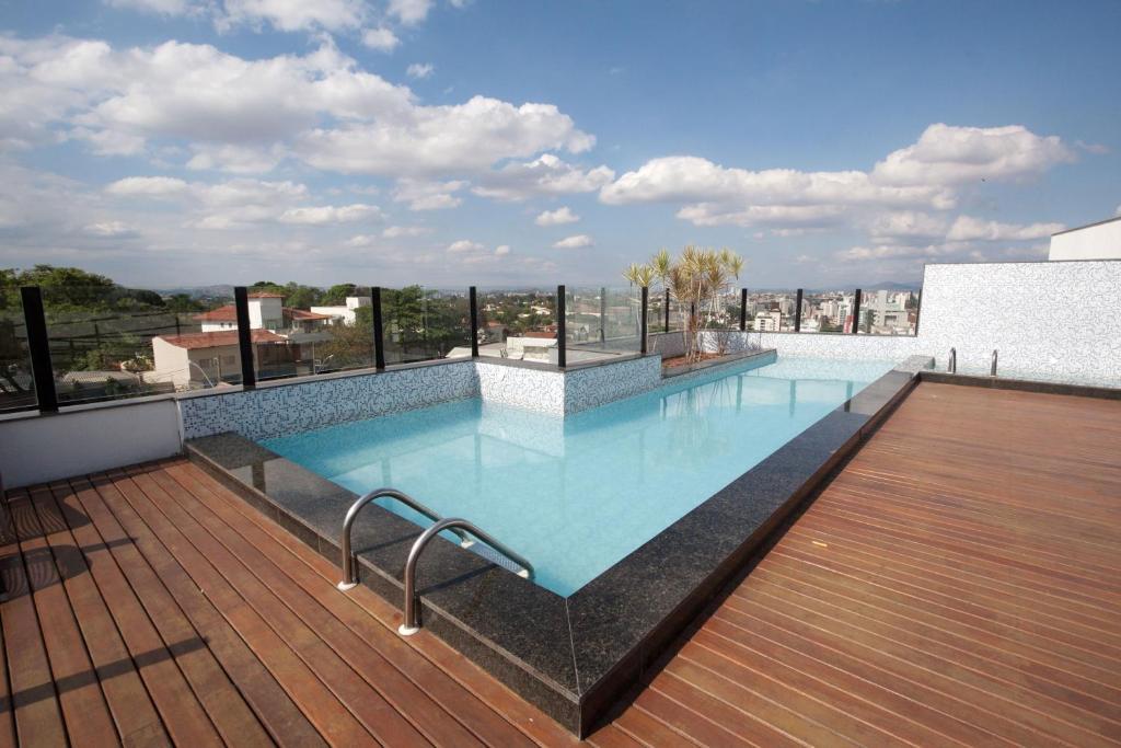A piscina localizada em Stop Inn Plus Pampulha ou nos arredores