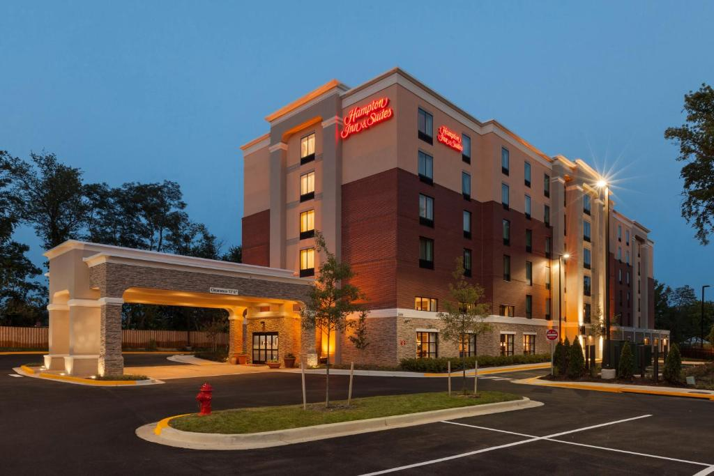 Hampton Inn and Suites Camp Springs