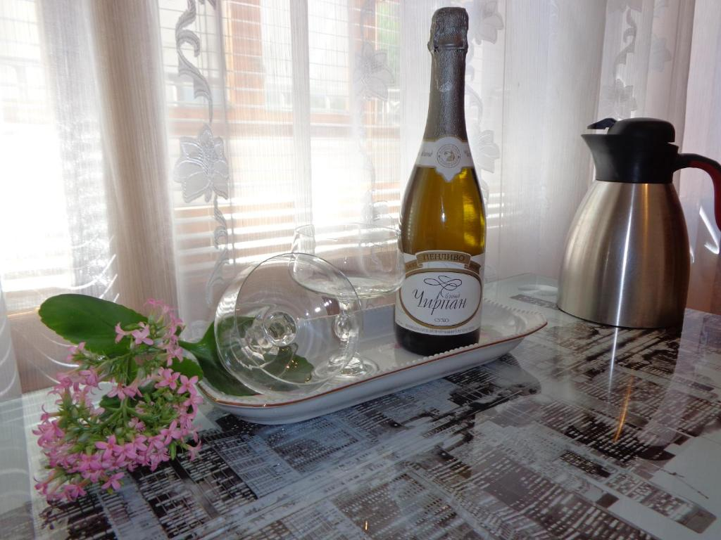 Drinks at Zoya Apartment