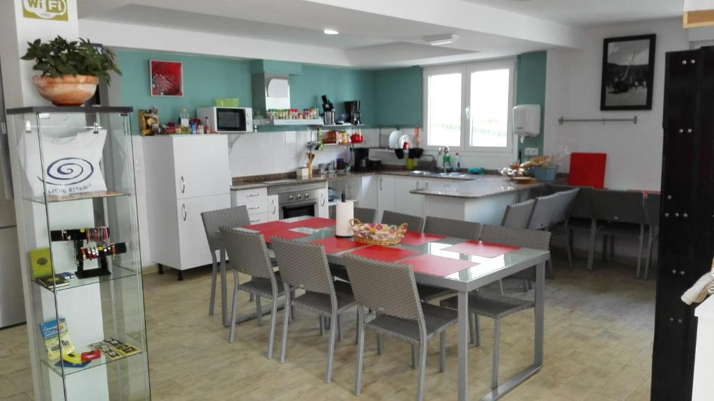 A restaurant or other place to eat at Albergue de Sonia