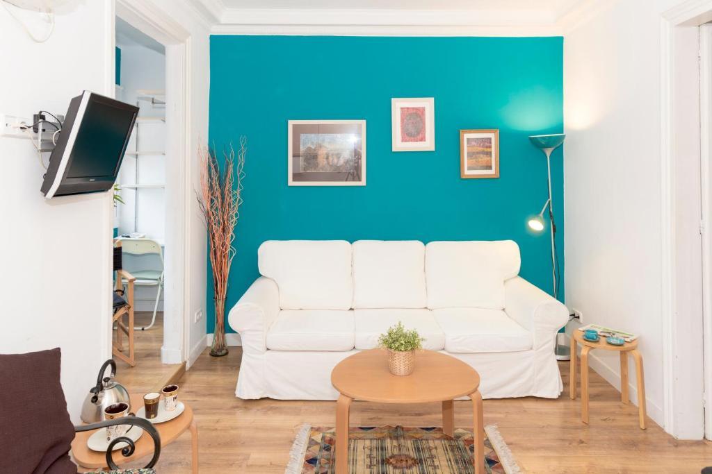 Zona de estar de Economic Fira Suites