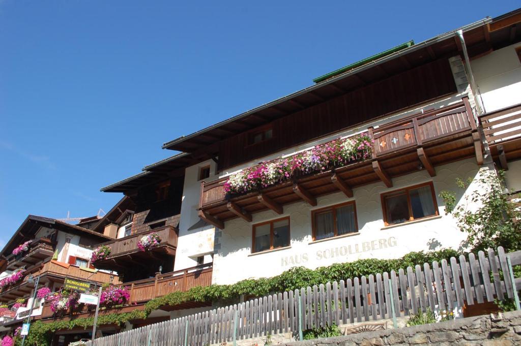 Pension Schollberg Sankt Anton am Arlberg, Austria