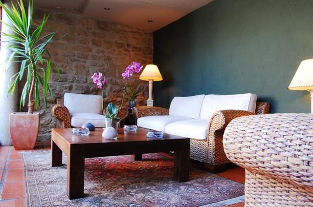 Zona de estar de Hotel Rural Nobles de Navarra
