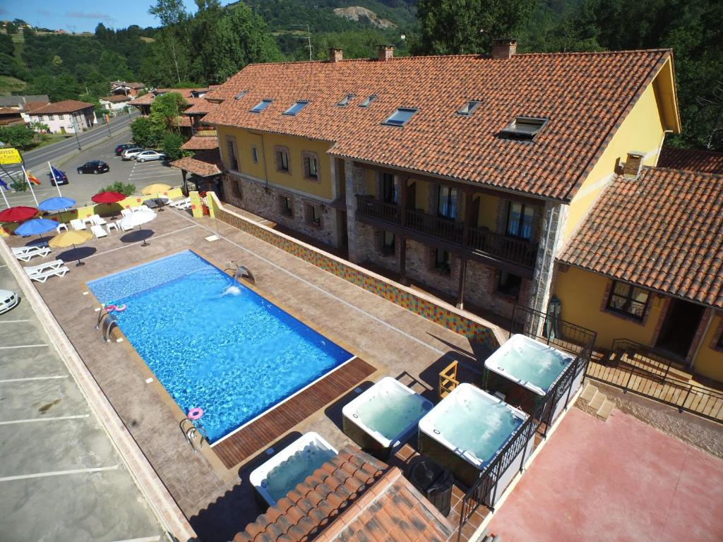A view of the pool at Conjunto Hotelero La Pasera or nearby