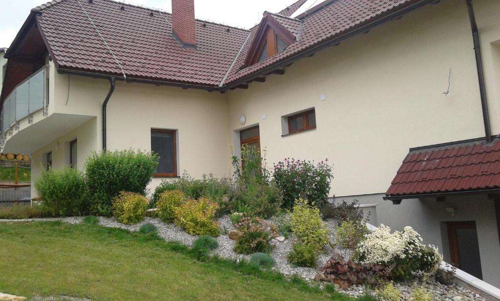 Vonkajšia záhrada v ubytovaní Penzion Emilia