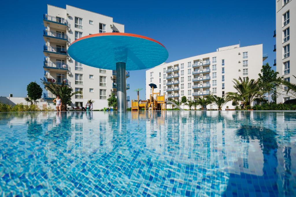 Бассейн в Апарт-отель Имеретинский - Прибрежный квартал или поблизости