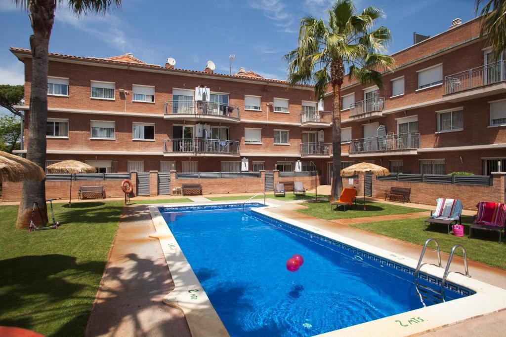 The swimming pool at or near Velor Apartamentos Turísticos