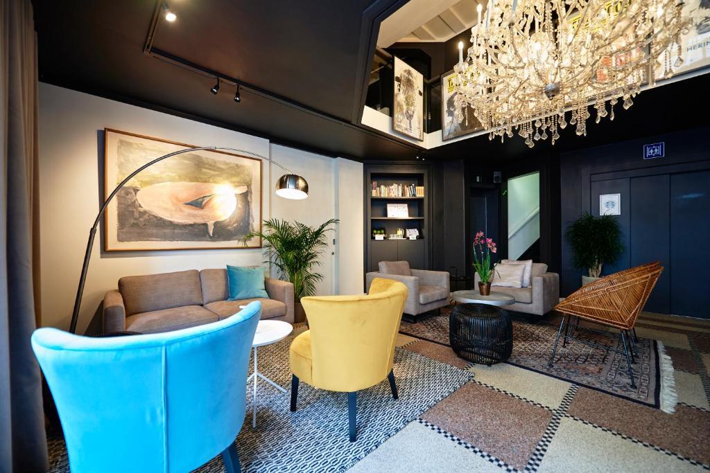 De lobby of receptie bij Leopold Hotel Ostend