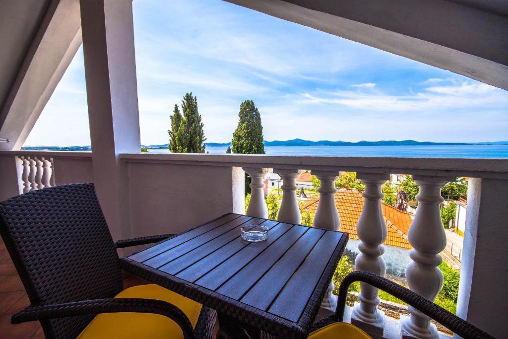 A balcony or terrace at Apartman Joso