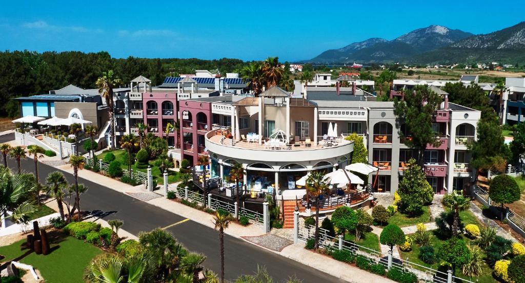 The surrounding neighborhood or a neighborhood close to the resort