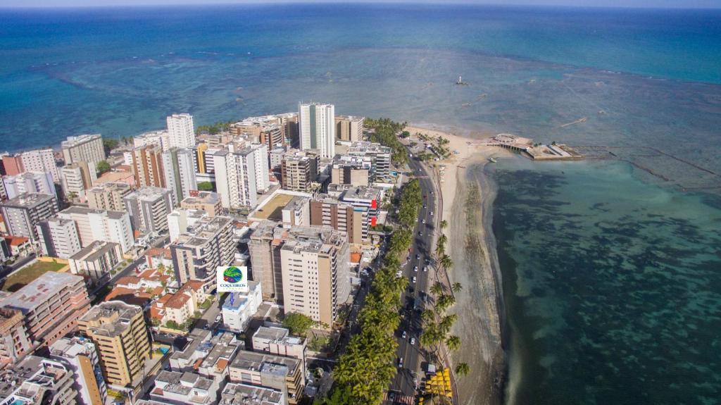 A bird's-eye view of Coqueiros Express Hotel