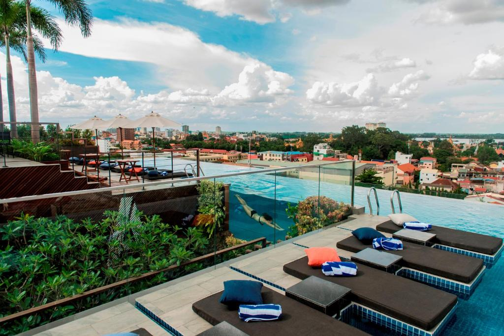 A view of the pool at Aquarius Hotel and Urban Resort or nearby