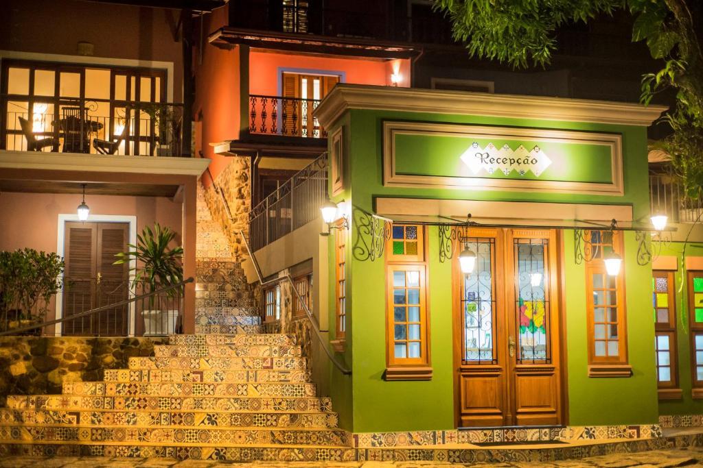 The facade or entrance of Pousada Perequê