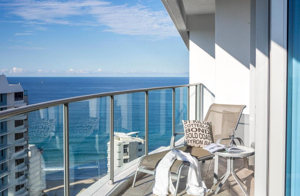 A balcony or terrace at Artique Surfers Paradise - Official