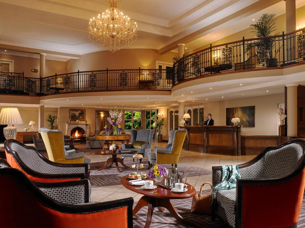 A restaurant or other place to eat at Hotel Woodstock Ennis