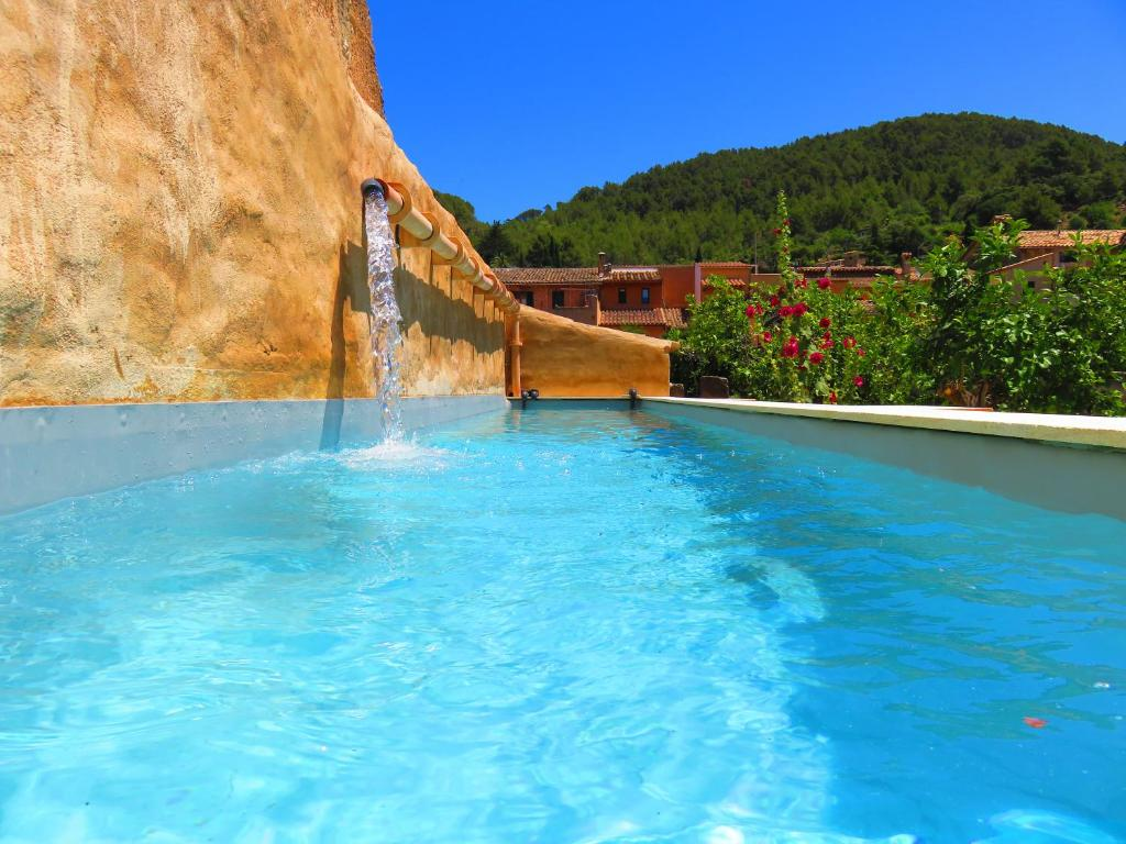 The swimming pool at or near Sa Fita Backpackers - Albergue Juvenil
