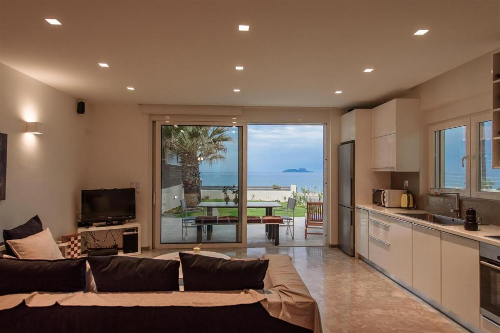 A seating area at Lidia Beach Suites