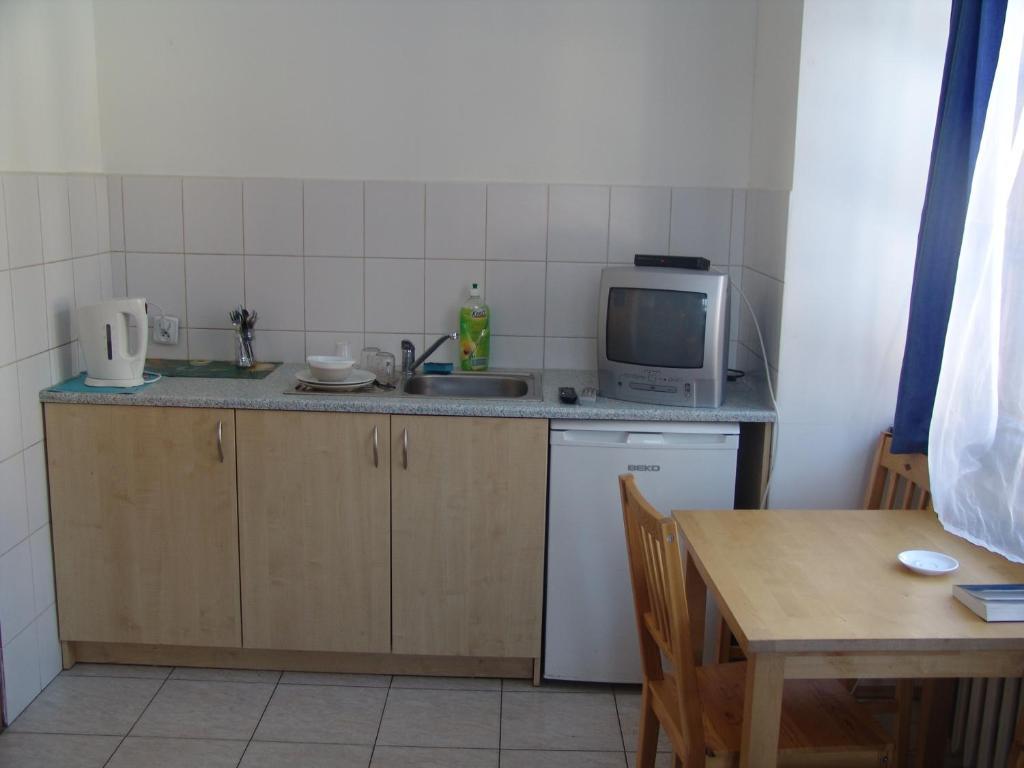 Kuchnia lub aneks kuchenny w obiekcie Hostel Victoria