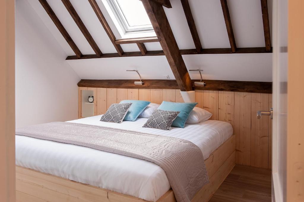 A room at Ruyge Weyde Logies, Farm