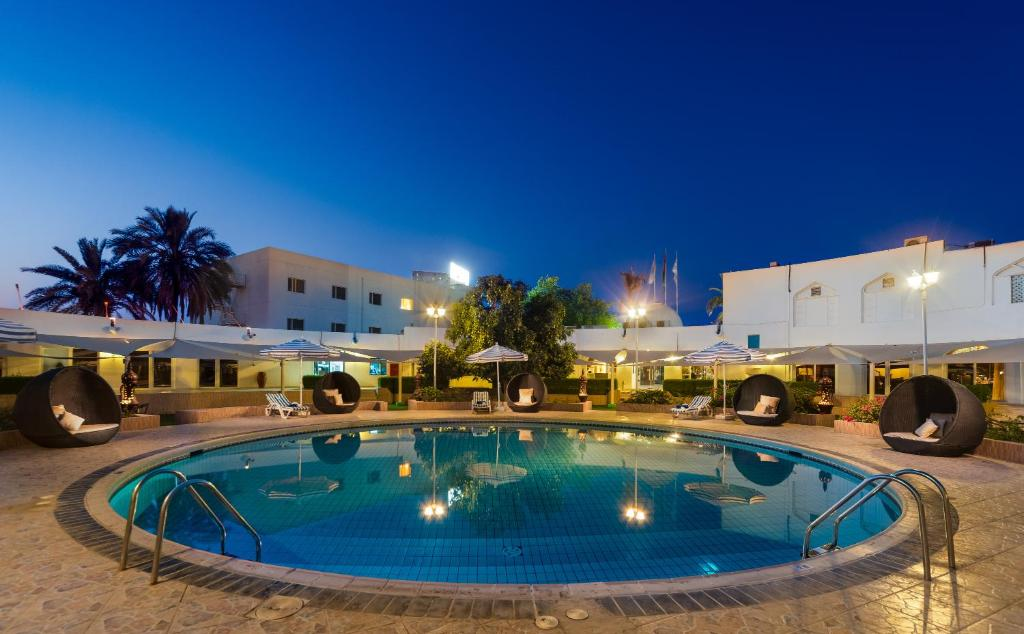 المسبح في فندق الوادي  أو بالجوار