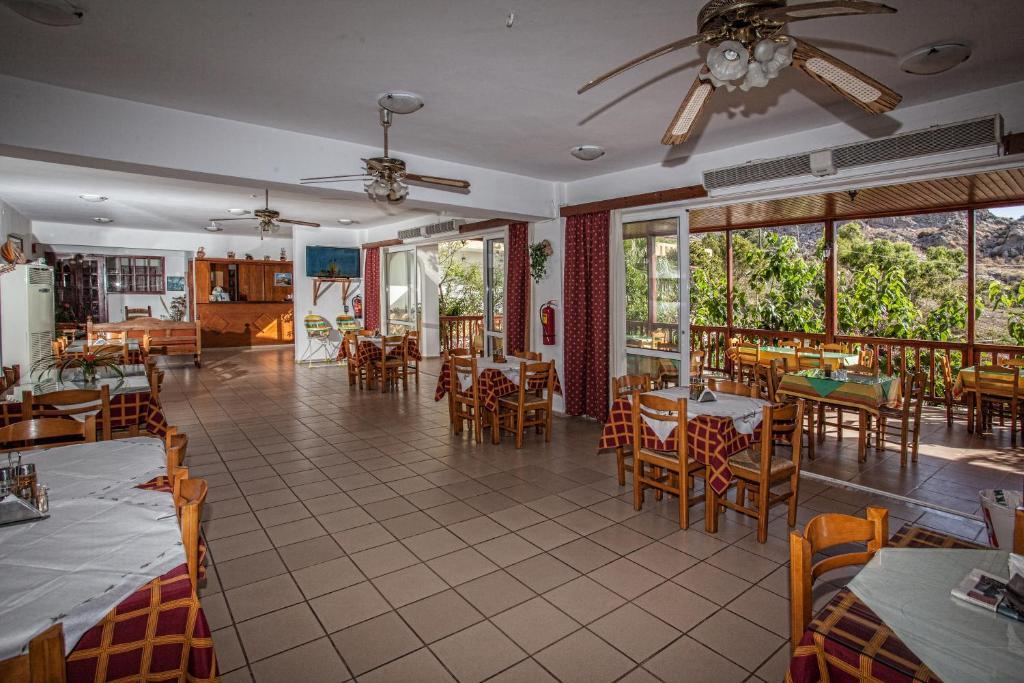 Ресторан / где поесть в Ammoudi Hotel