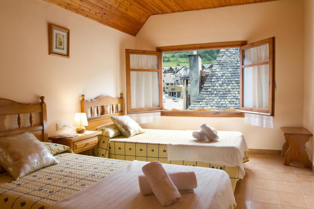 A room at Hostal Aiguamog