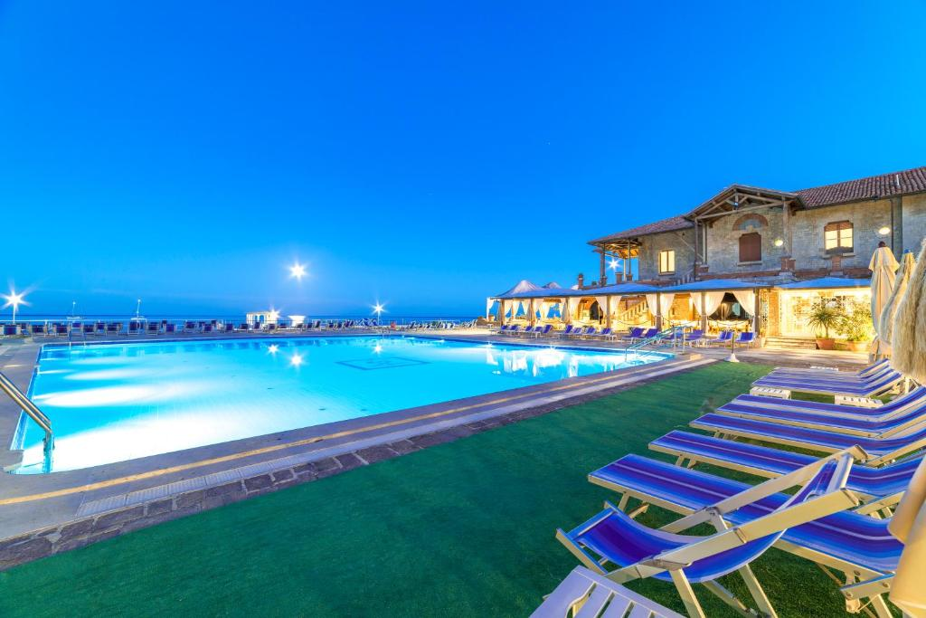 The swimming pool at or near Hotel Ristorante Maga Circe