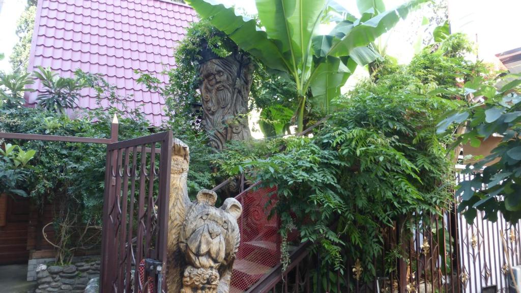 Сад в Apartments Gorkogo 21