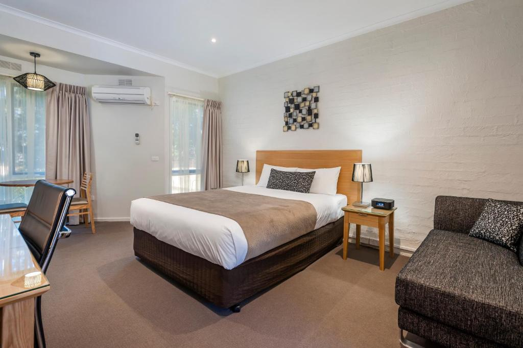 Comfort Inn Coach & Bushmans