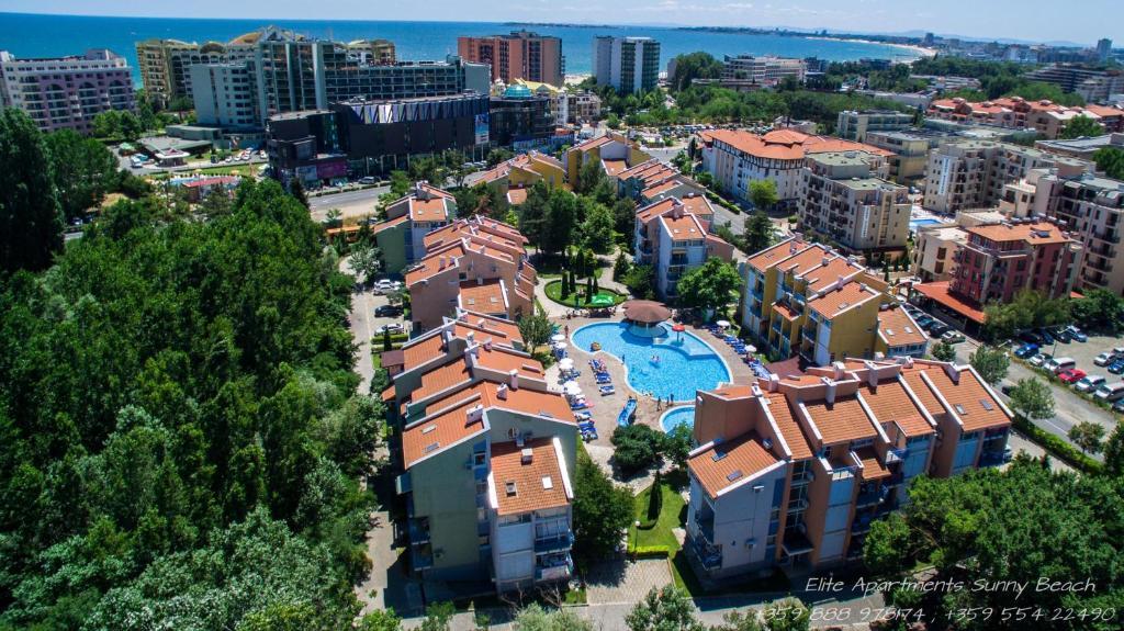 Een luchtfoto van Elite Apartments