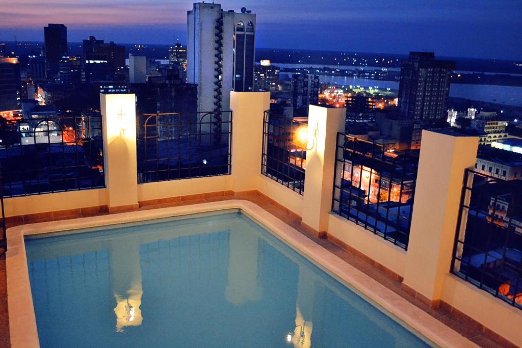 The swimming pool at or near Hotel Manduara
