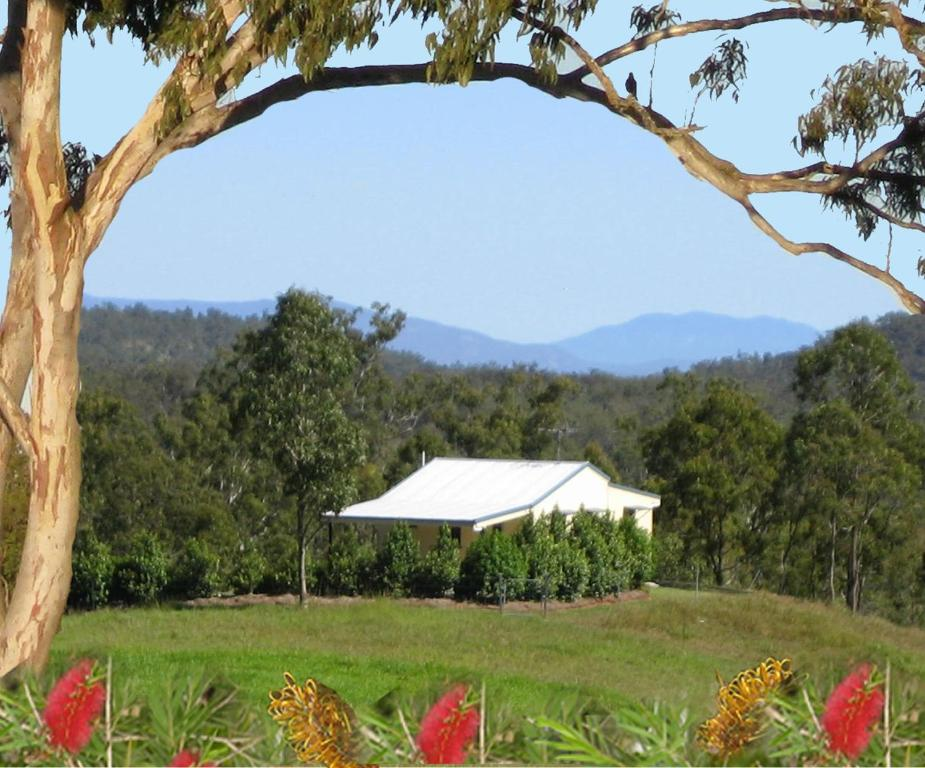 A garden outside Barking Owl Retreat - Farm Stay - Exclusive to Adults