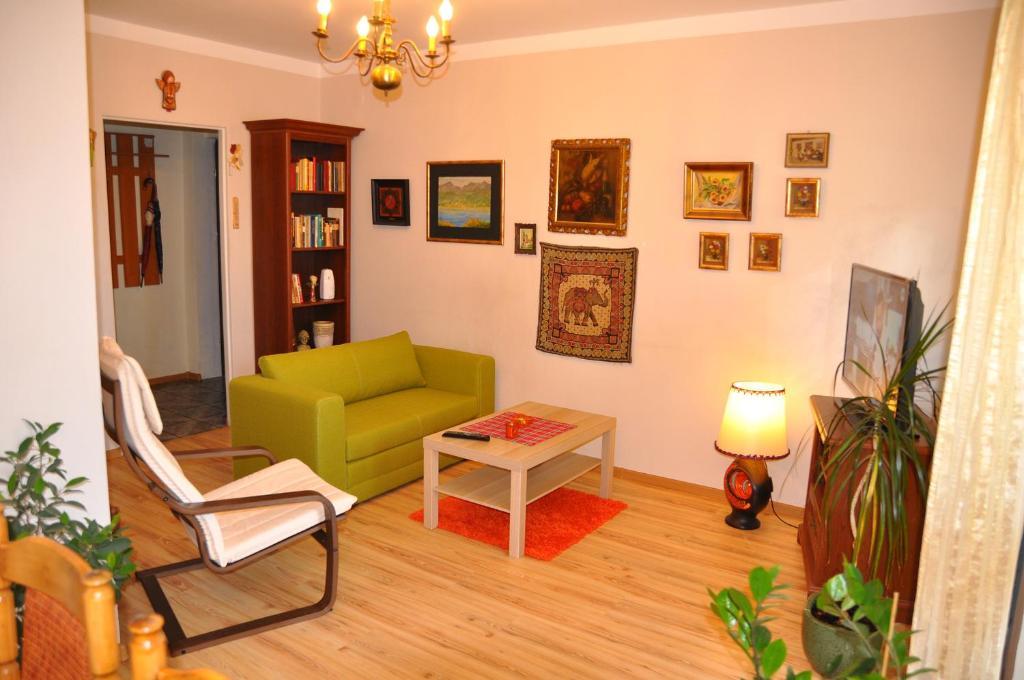 Część wypoczynkowa w obiekcie Cozy apartment in Tarnów