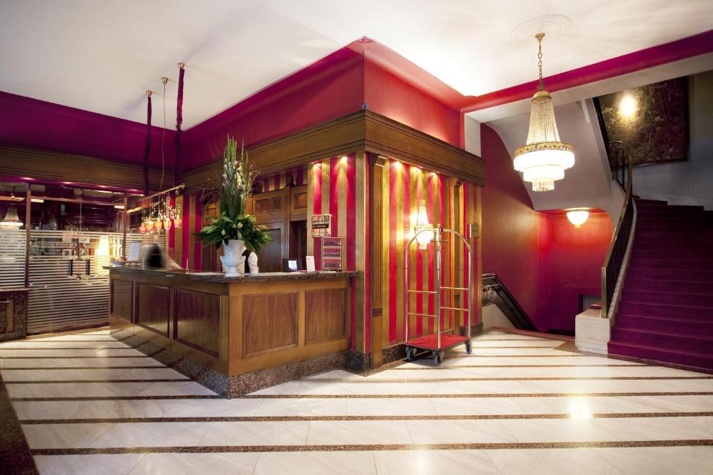 Lobby/Rezeption in der Unterkunft Savoy Berlin