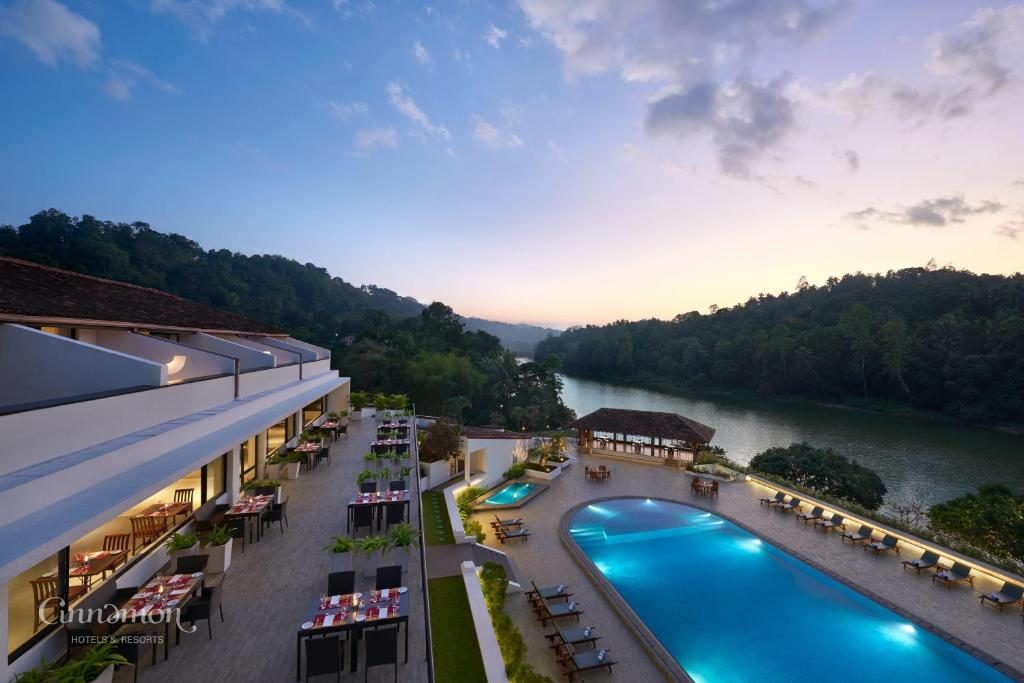 A view of the pool at Cinnamon Citadel Kandy or nearby
