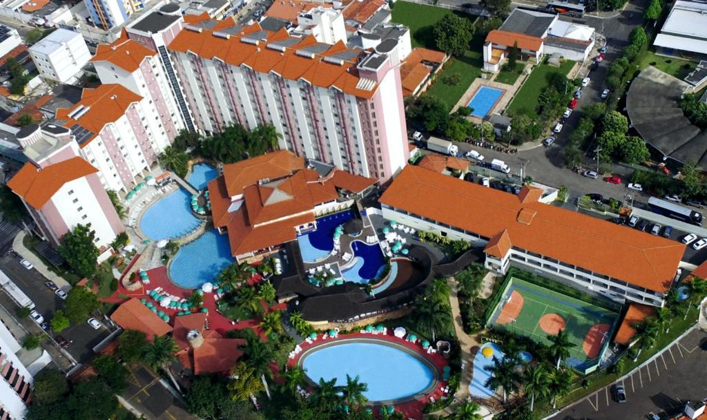 Uma vista aérea de Acqua Bella Thermas Hotel