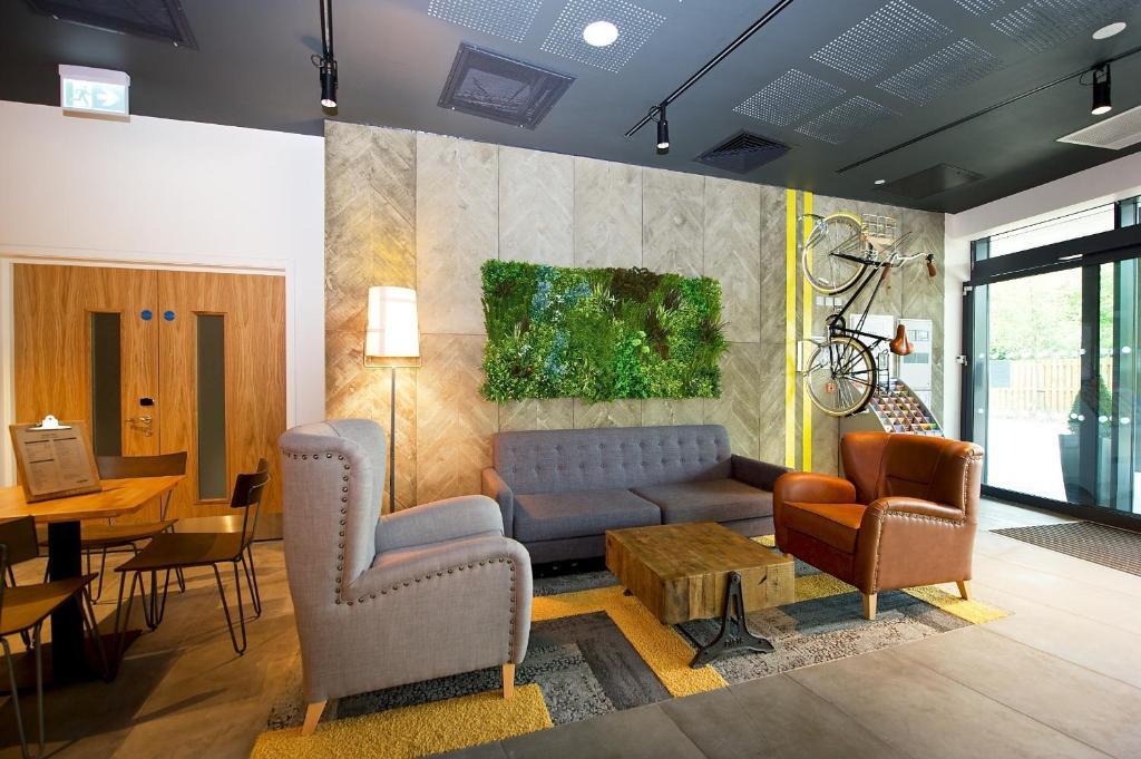 El salón o zona de bar de Staycity Aparthotels Barbican Centre