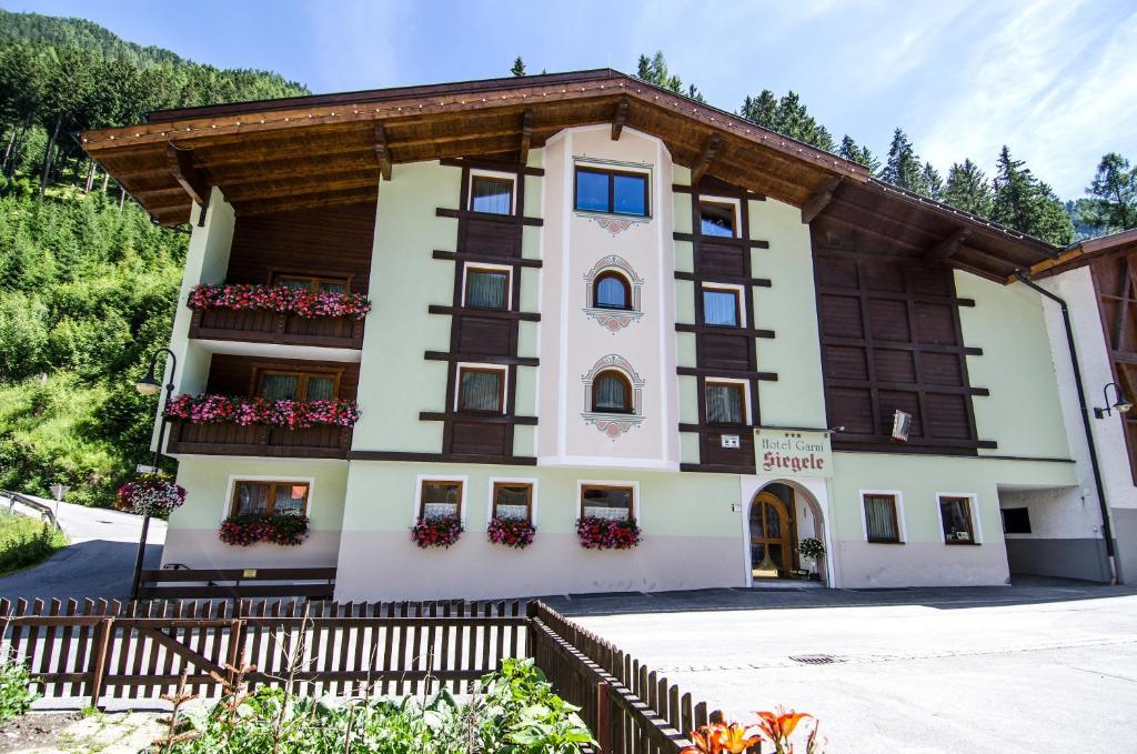 Hotel Garni Siegele during the winter