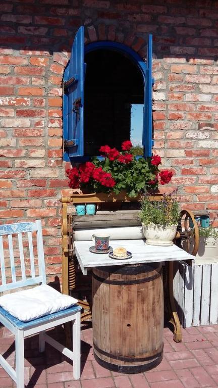 Ein Restaurant oder anderes Speiselokal in der Unterkunft Siedlisko Nad Miedwiem