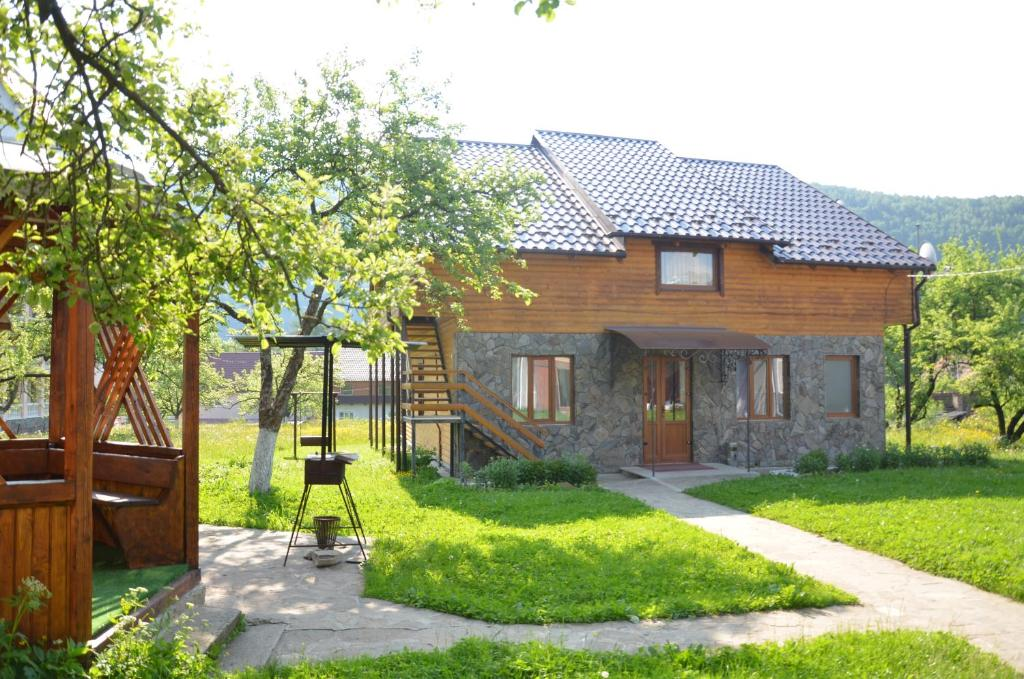 A garden outside Rosinka