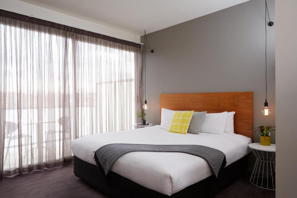 A room at Cosmopolitan Hotel Melbourne