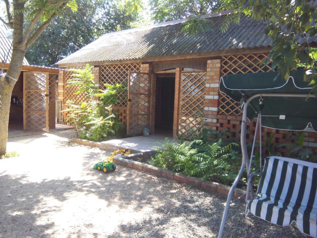 Патио или другая зона на открытом воздухе в Azalia+