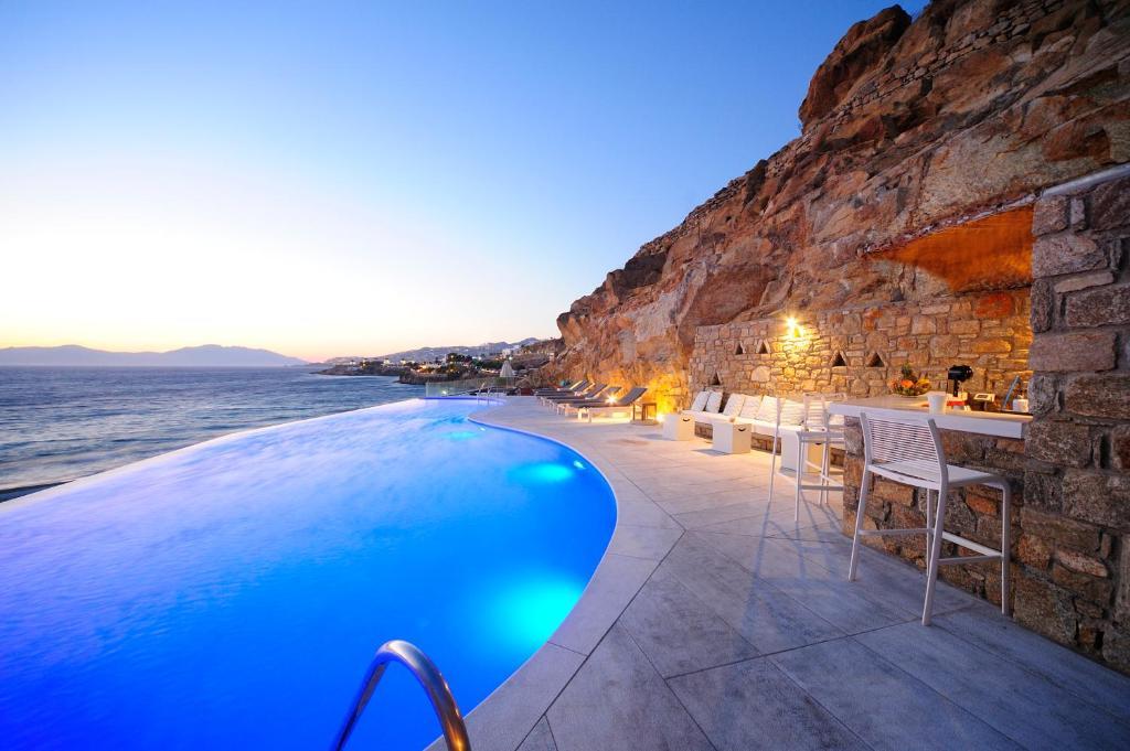 المسبح في فندق ميكونوس بيتش أو بالجوار