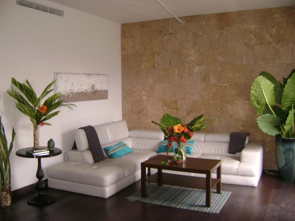 A seating area at Zen Retreat City Centre
