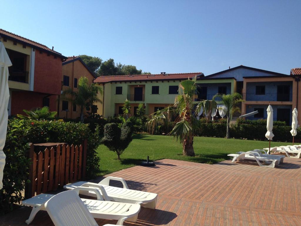 Giardino di Case Vacanza Villaggio Riva Azzurra