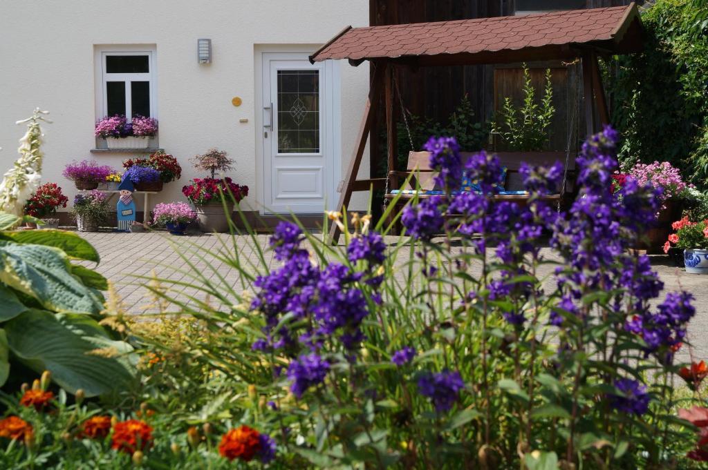 Ein Patio oder anderer Außenbereich in der Unterkunft Ferienhof Zinn