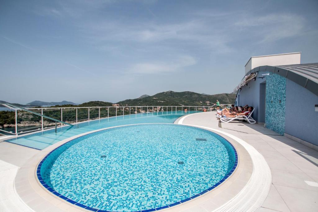The swimming pool at or near Hotel Villa Paradiso