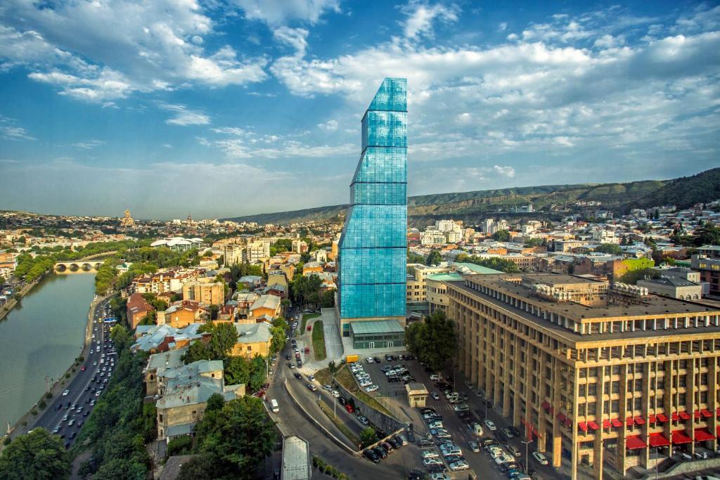 منظر The Biltmore Tbilisi Hotel من الأعلى