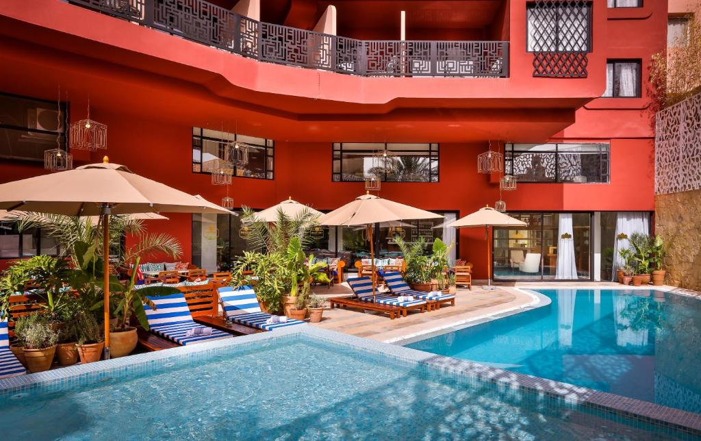 The swimming pool at or near 2Ciels Boutique Hôtel